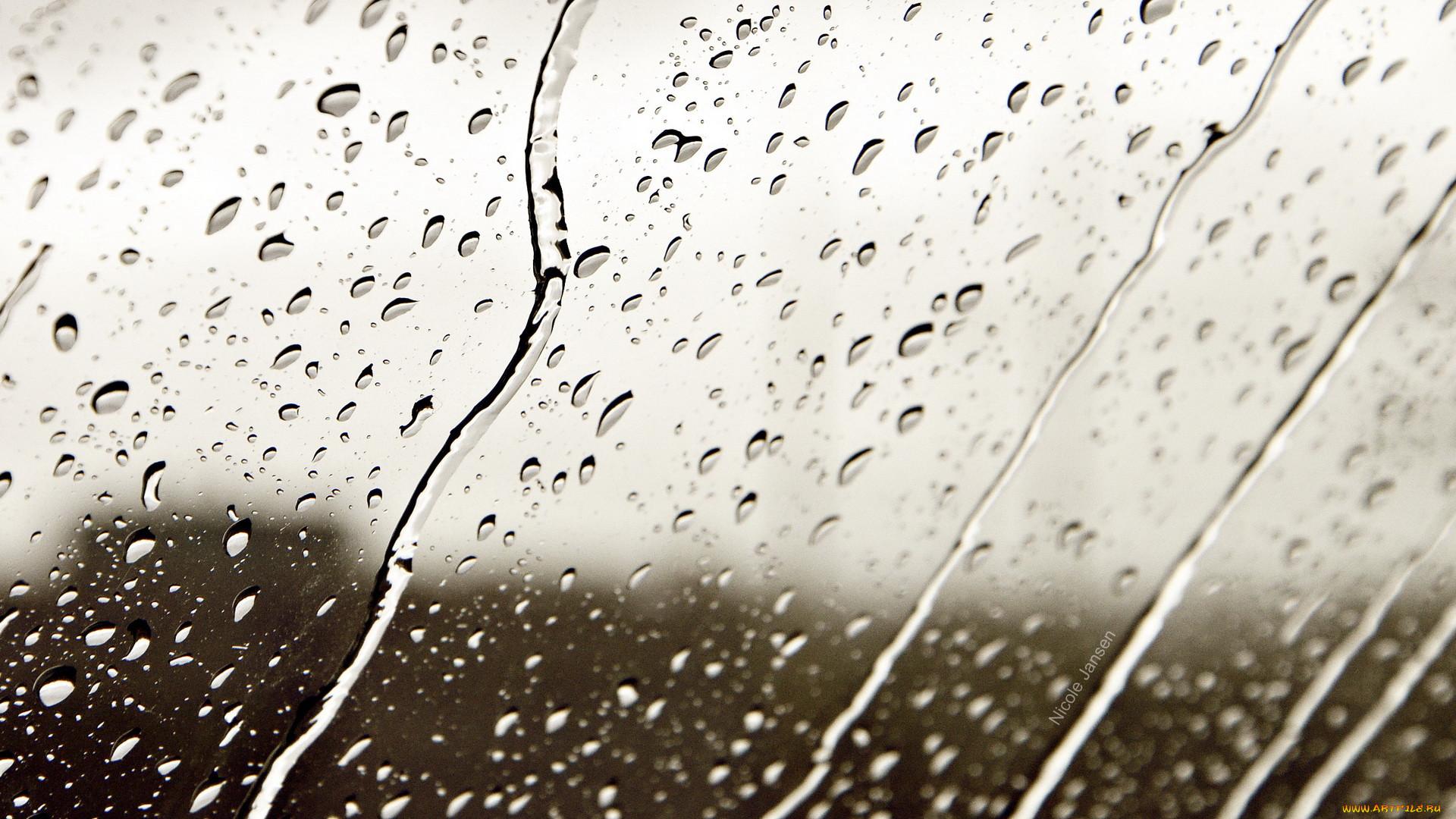 Картинка капли дождя на стекле